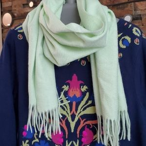 Chartuese cashmere scarf